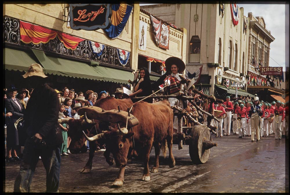 Rodeo Parade, Tuscon. (Charles W. Cushman Photograph Collection - Indiana University Archives / Digital Library Program ).
